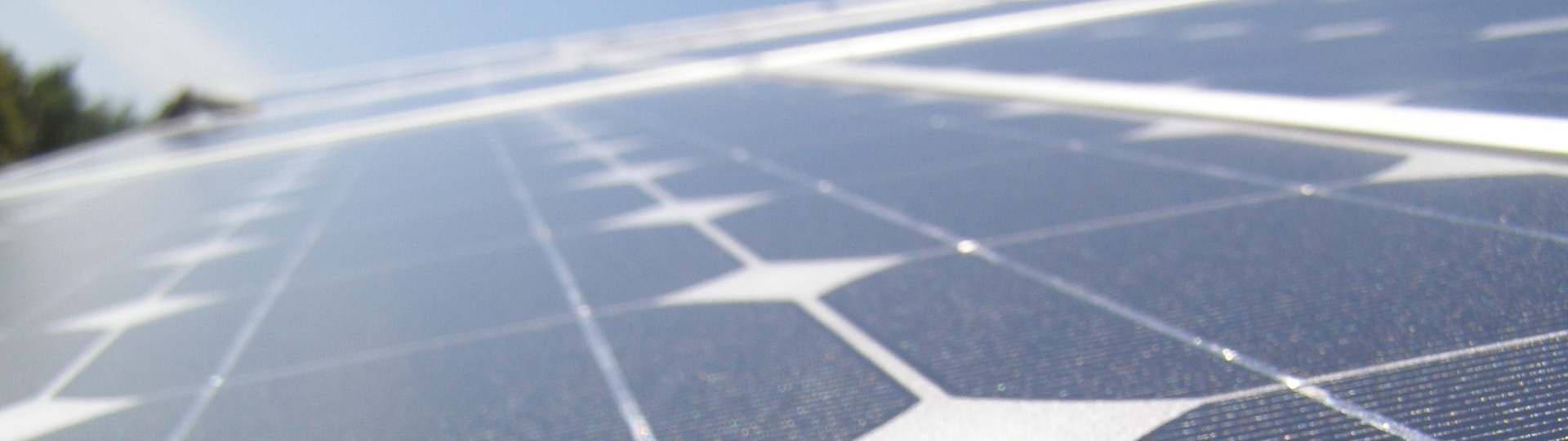 how to get free solar panels from the government